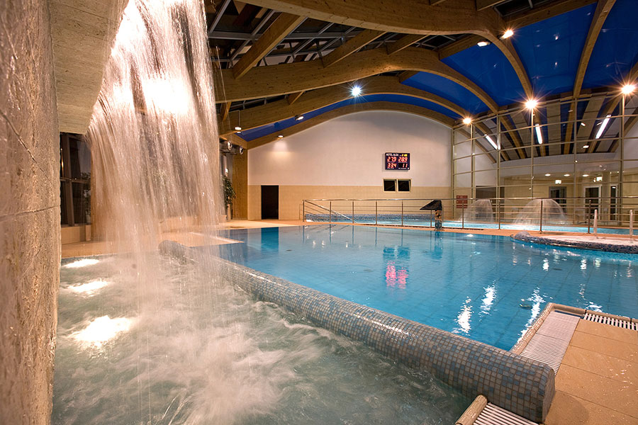 Kurhotel alga swinem nde for Schwimmbad billig