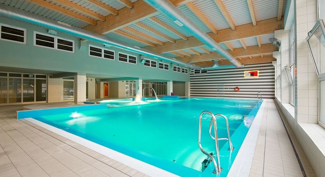 Hotel geovita d wirzyno kolberger deep for Schwimmbad billig