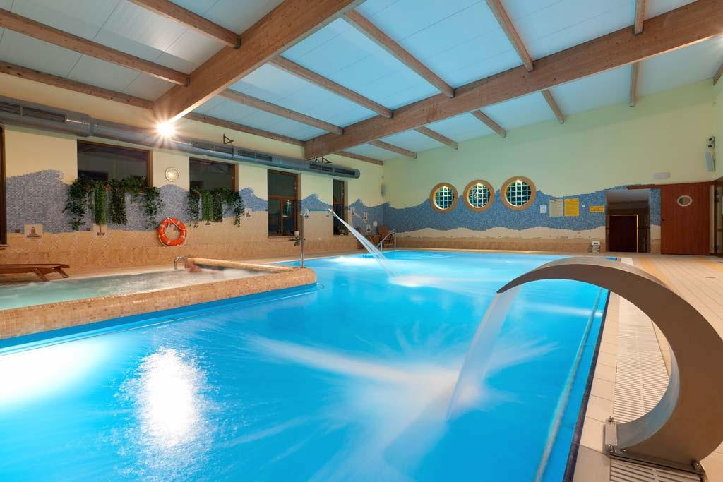Jantar spa niechorze ostsee for Schwimmbad billig