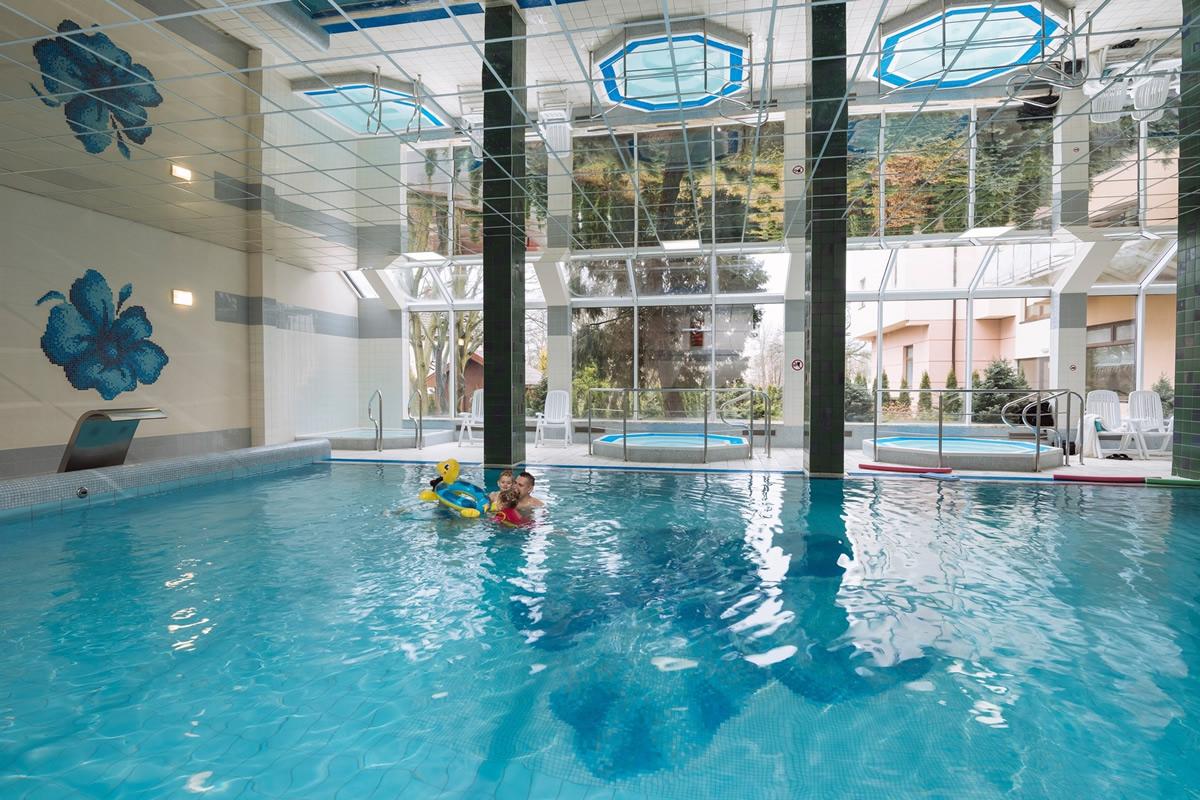Hotel olymp zwei kolberg for Schwimmbad billig